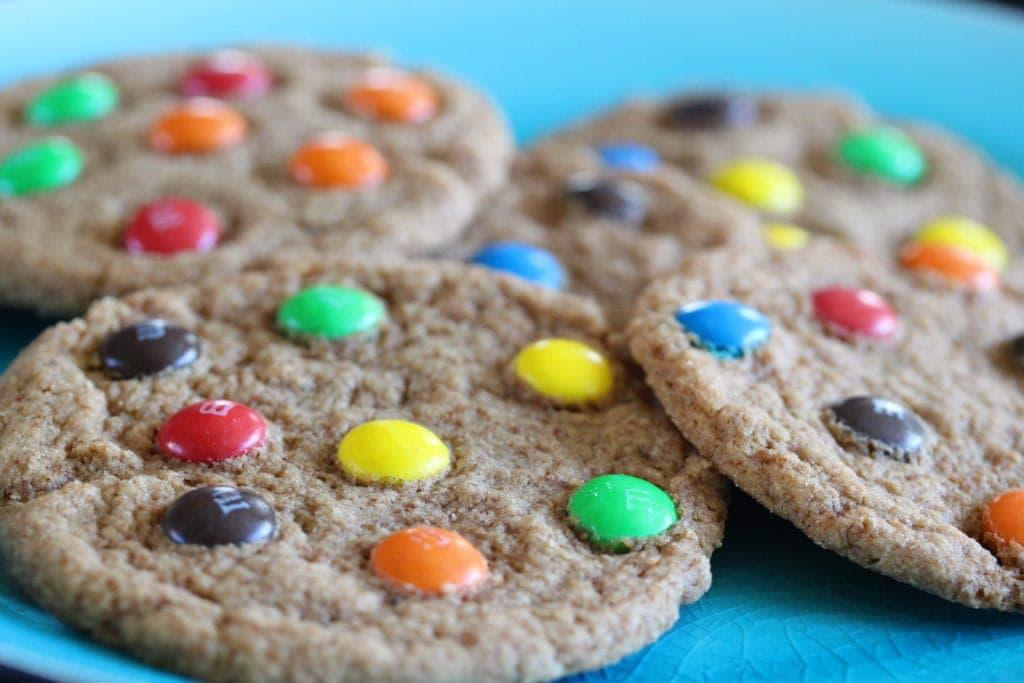 M&M filled soft cookies. #glutenfree #vegan #glutenfreecookie #glutenfreerecipe #dairyfreecookie #vegancookie #softglutenfreecookie