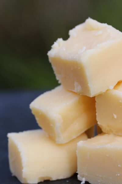 Traditional fudge made with 3 ingredients. #freefromfairy