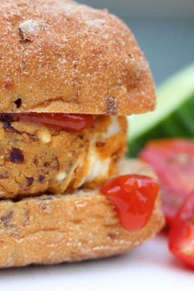 A recipe for spicy bean burger or kidney bean burger (gluten free)