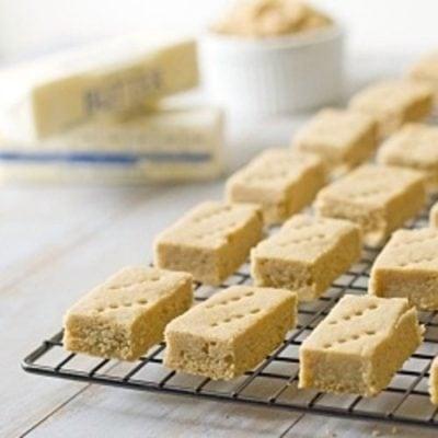 Guest Post – Gluten-free & Dairy-free Lemon & Almond Shortbread