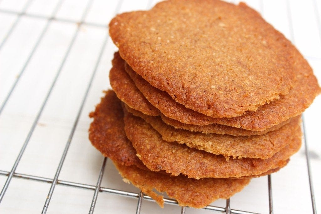 Paleo ginger cookies. Low carb, gluten free refined sugar free cookies made with coconut flour.
