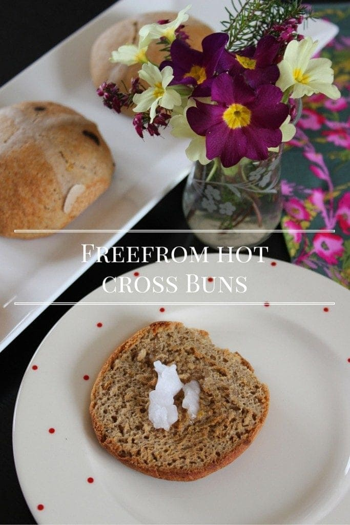 gluten free hot cross buns #glutenfree #refinedsugarfree #hotcrossbun #Easter