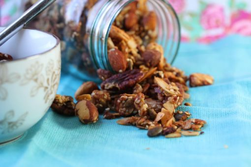 Healthy granola. Low carb. No sugar. No gluten. Suitable for SCD and GAPS diets