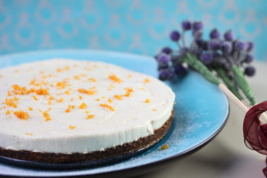 Vegan, gluten free, refined sugar free lemon cheesecake
