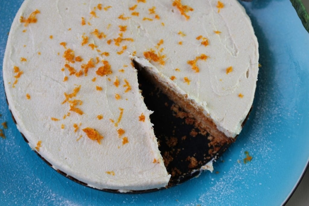 Vegan lemon cheesecake, no refined sugar or grains.