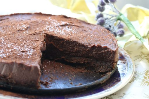 Incredible gluten-free, dairy-free (vegan) chocolate Baileys cheesecake. The perfect pudding that everyone will love.