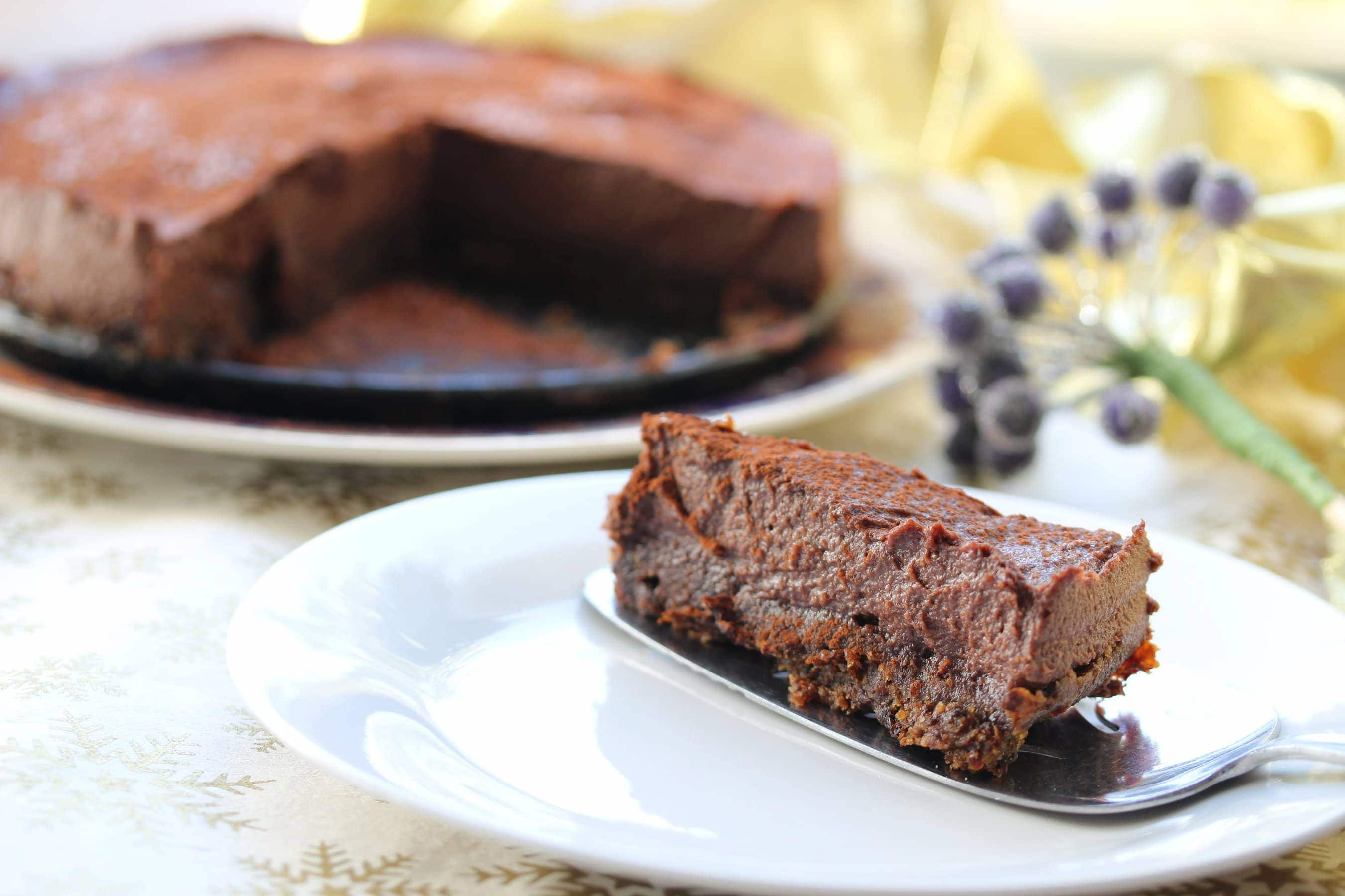 Incredible, simple, Baileys chocolate cheesecake. A gluten free, dairy free, vegan recipe!