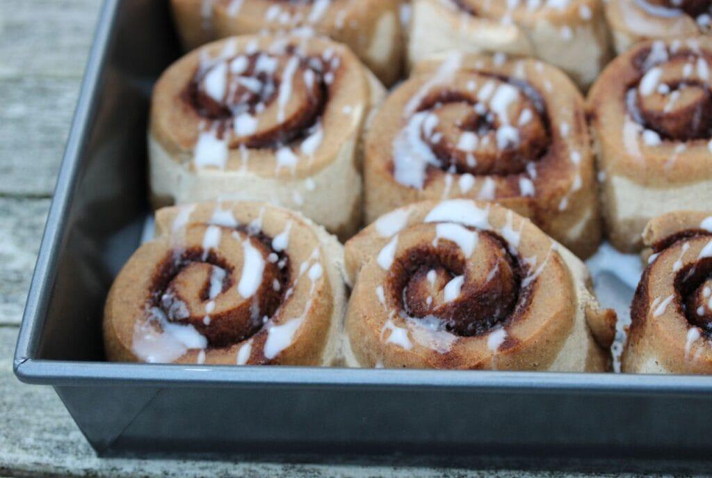 Fresh cinnamon rolls in their tray