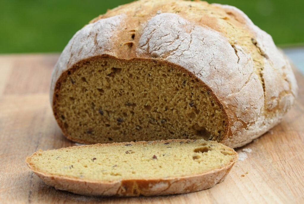 A simple yeast free gluten free bread recipe made using the Free From Fairy's wholegrain gluten free bread mix. #simpleglutenfreebread #yeastfreeglutenfreebread #yeastfreebread #glutenfreebread #glutenfreebreadmix